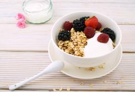 באיזו שעה נכון להישקל? 6 פעולות שיעזרו לכם לאכול נכון